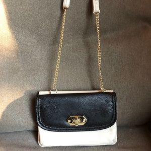 Steve Madden Crossbody Turn Lock Phone Holder